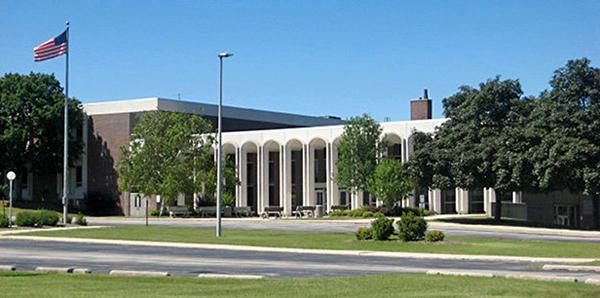 美国中部最顶尖蓝带中学马丁路德高中图片