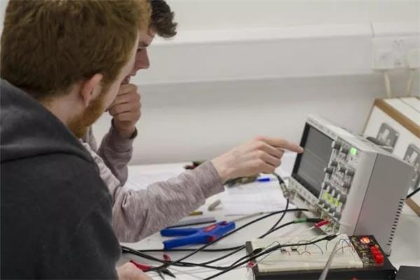 电子信息工程.webp.jpg