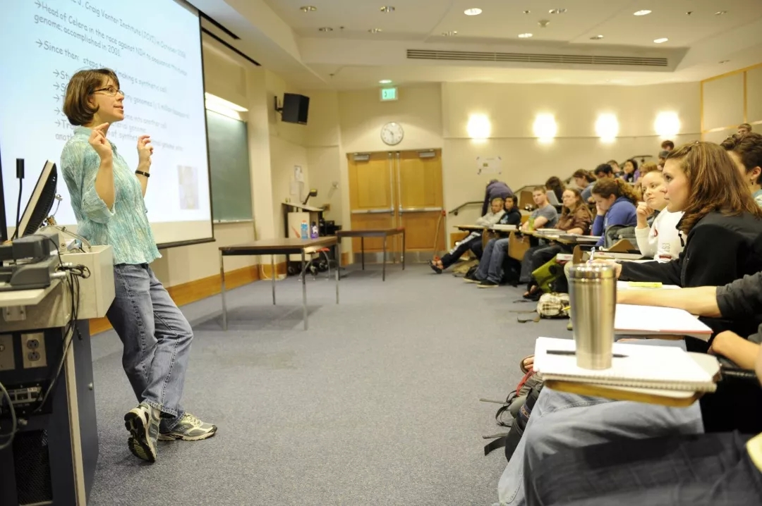 西华盛顿大学.webp.jpg